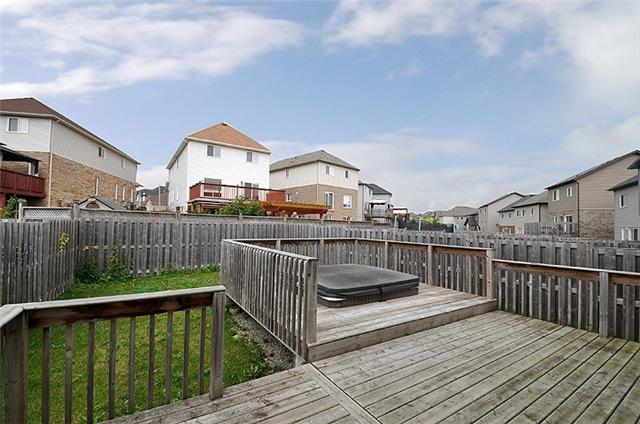 Detached at 1296 Countrystone Dr, Kitchener, Ontario. Image 10