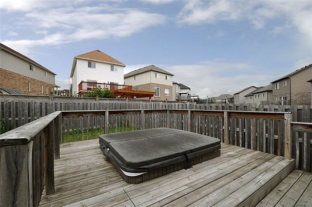 Detached at 1296 Countrystone Dr, Kitchener, Ontario. Image 11