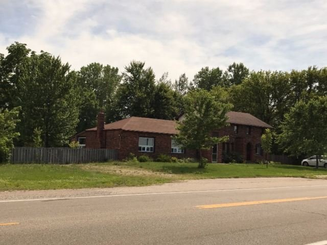 Detached at 10057 Longwoods Rd, London, Ontario. Image 7