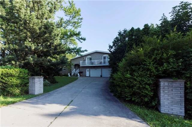 Detached at 533 Main St W, Grimsby, Ontario. Image 12