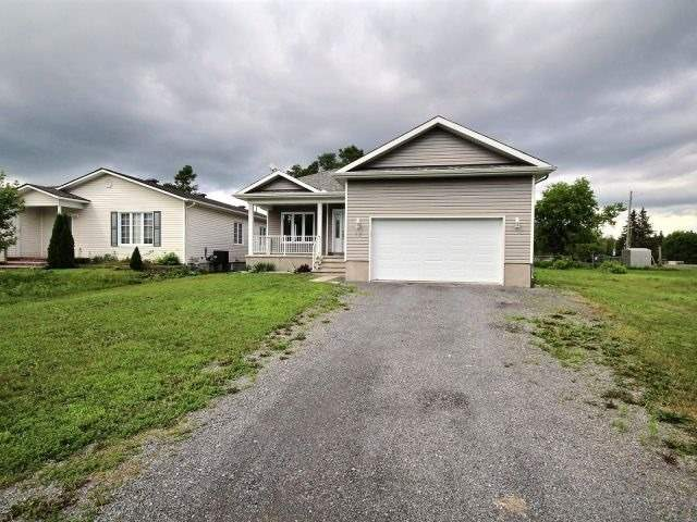 Detached at 12 Herbert St, Russell, Ontario. Image 11