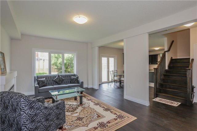 Detached at 725 Spitfire St, Woodstock, Ontario. Image 16