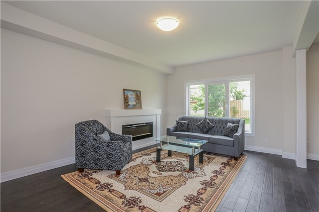 Detached at 725 Spitfire St, Woodstock, Ontario. Image 18