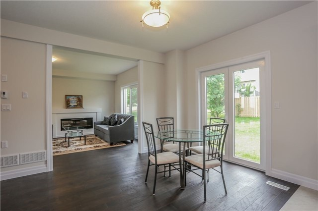 Detached at 725 Spitfire St, Woodstock, Ontario. Image 20