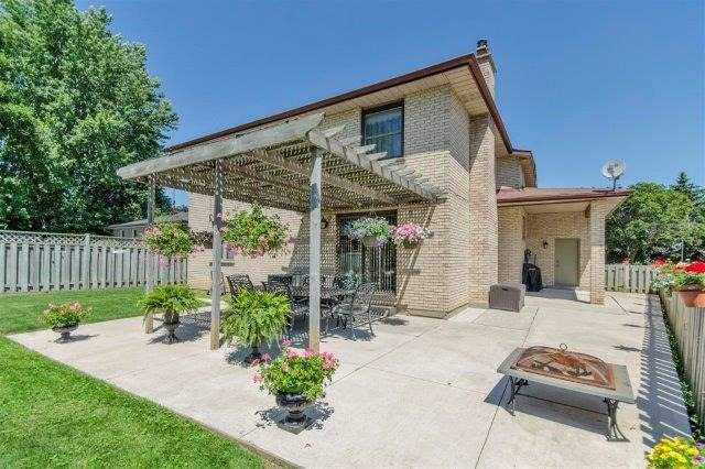 Detached at 407 Citation Dr, London, Ontario. Image 15