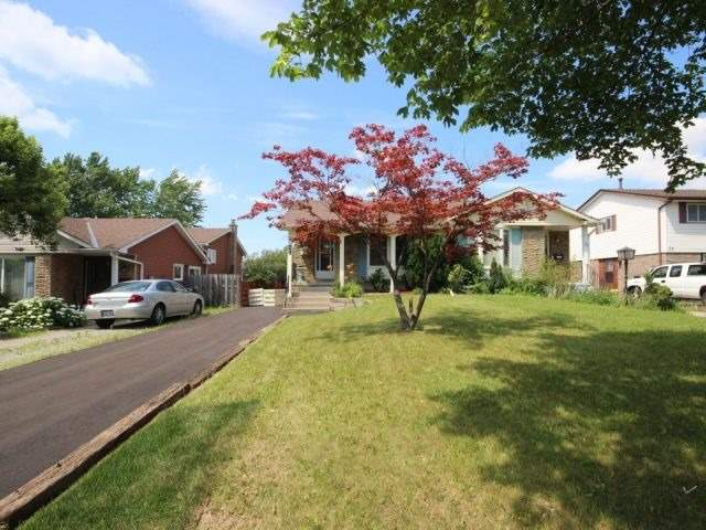 Semi-detached at 29 Dianne Dr, St. Catharines, Ontario. Image 10