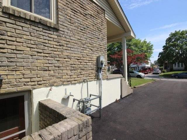 Semi-detached at 29 Dianne Dr, St. Catharines, Ontario. Image 13