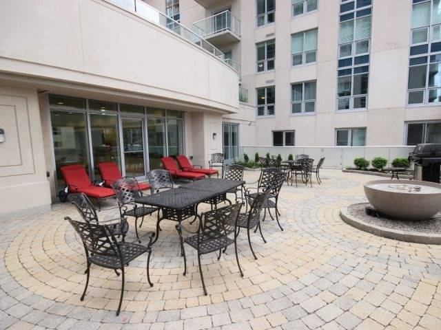 Condo Apartment at 195 Besserrer St, Unit 2604, Ottawa, Ontario. Image 5