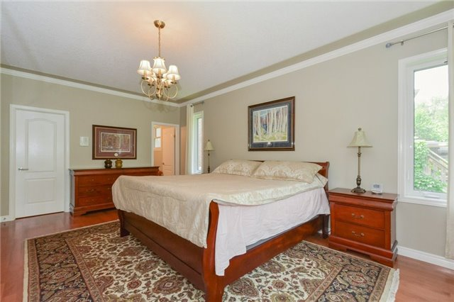 Detached at 778 Munich Circ, Waterloo, Ontario. Image 17