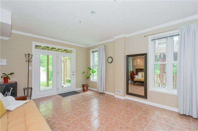 Detached at 778 Munich Circ, Waterloo, Ontario. Image 2