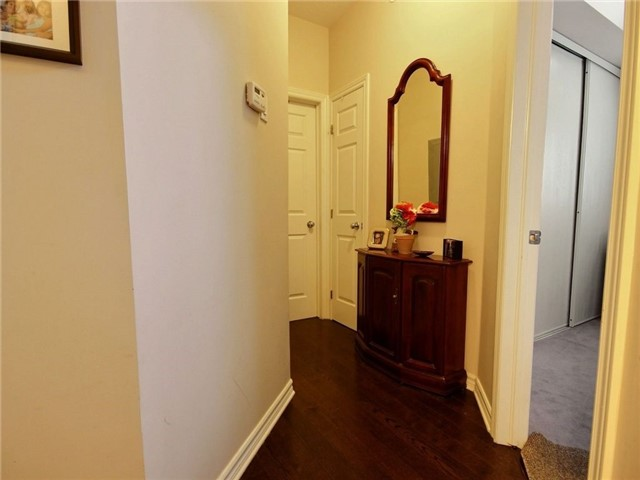 Condo Apartment at 165 Waterbridge Dr, Unit 9, Ottawa, Ontario. Image 8