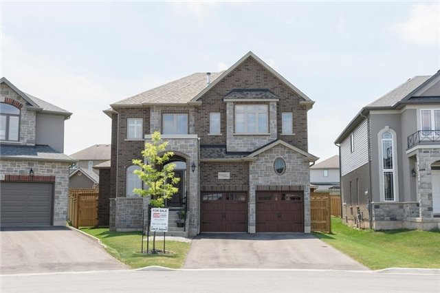 Detached at 27 Donland Ave, Grimsby, Ontario. Image 1