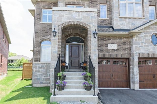 Detached at 27 Donland Ave, Grimsby, Ontario. Image 11