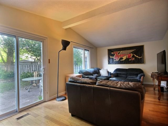 Detached at 82 Koch Dr, Guelph, Ontario. Image 17