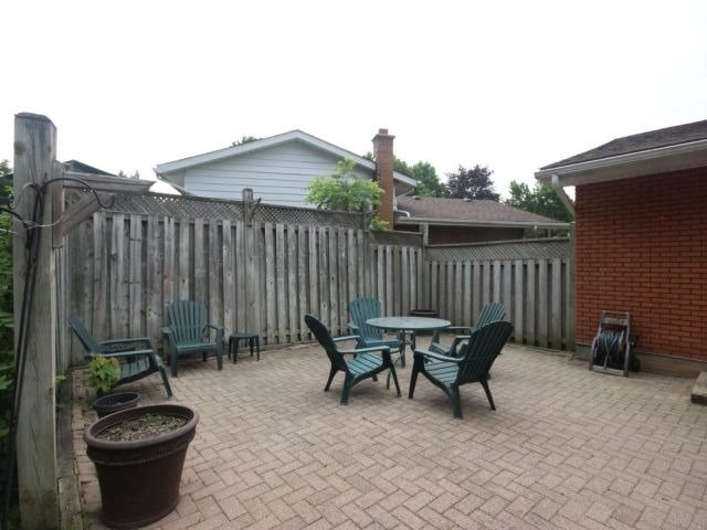 Detached at 48 Arrowhead Pl, Kitchener, Ontario. Image 19