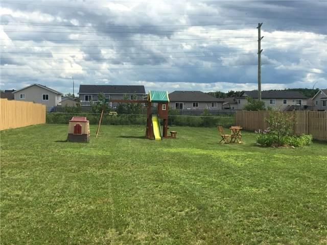 Detached at 38 Greenvale Cres, Petawawa, Ontario. Image 9