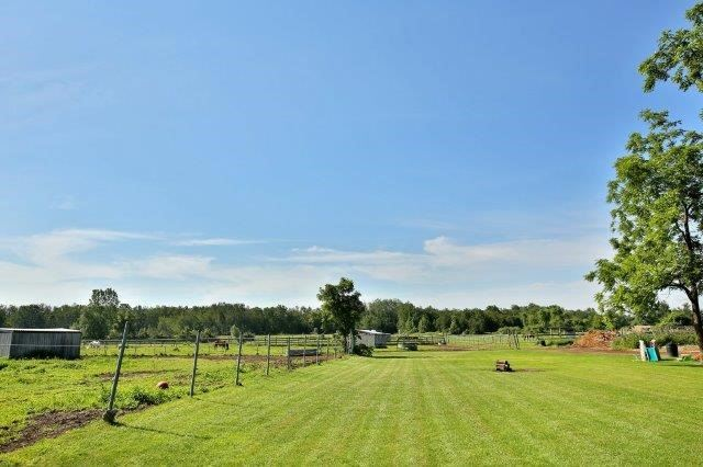 Farm at 1374 5th Concession Rd W, Hamilton, Ontario. Image 7