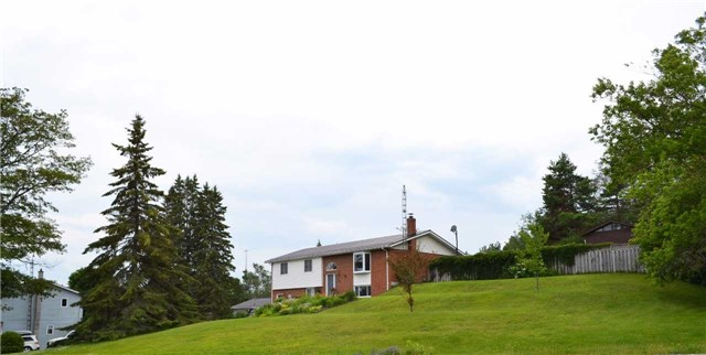 Detached at 251 John St, Kawartha Lakes, Ontario. Image 15