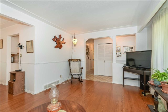 Detached at 7 Highland Rd, Centre Wellington, Ontario. Image 15