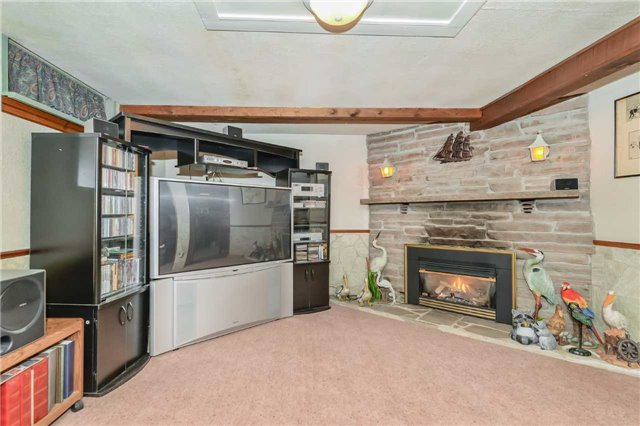 Detached at 7 Highland Rd, Centre Wellington, Ontario. Image 7