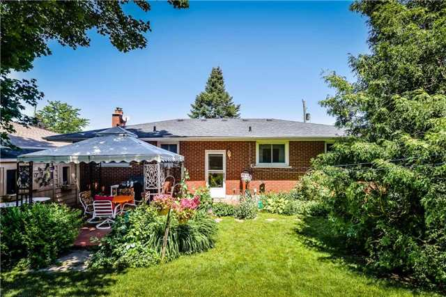 Detached at 7 Highland Rd, Centre Wellington, Ontario. Image 10