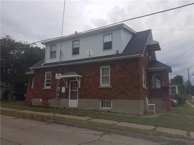 Detached at 43 Division St, St. Catharines, Ontario. Image 3