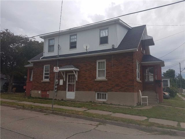 Detached at 43 Division St, St. Catharines, Ontario. Image 4
