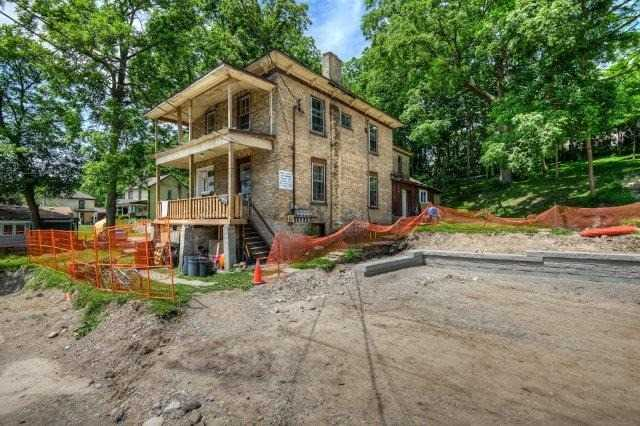 Detached at 328 Fountain St S, Cambridge, Ontario. Image 1