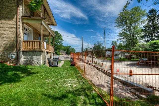 Detached at 328 Fountain St S, Cambridge, Ontario. Image 6