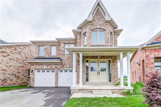 Detached at 19 Fred Fisher Cres, St. Catharines, Ontario. Image 1