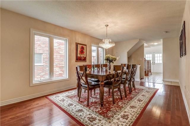 Detached at 19 Fred Fisher Cres, St. Catharines, Ontario. Image 16