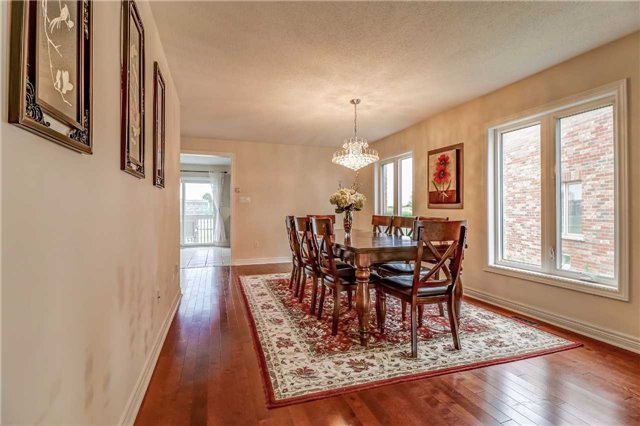 Detached at 19 Fred Fisher Cres, St. Catharines, Ontario. Image 17