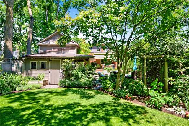 Detached at 69 Mill St N, Hamilton, Ontario. Image 10