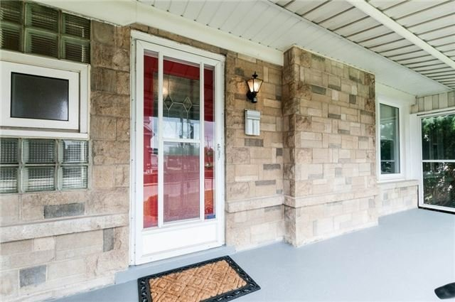 Detached at 100 Dunkirk Dr, Hamilton, Ontario. Image 12