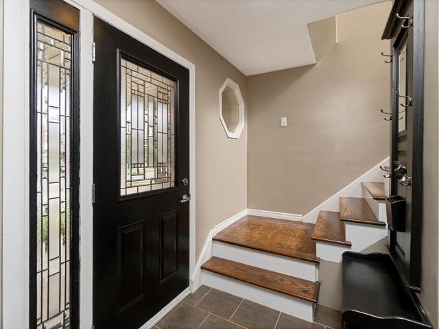 Detached at 6 Summerfield Dr, Guelph, Ontario. Image 14