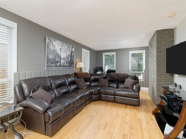 Detached at 6 Summerfield Dr, Guelph, Ontario. Image 17