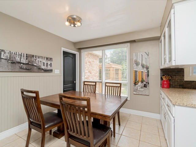 Detached at 6 Summerfield Dr, Guelph, Ontario. Image 20