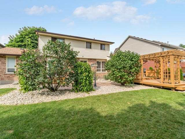 Detached at 6 Summerfield Dr, Guelph, Ontario. Image 13