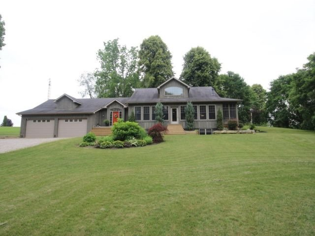 Detached at 5890 Sunset Rd, Central Elgin, Ontario. Image 1