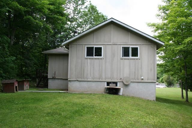 Detached at 389 Beaver Lake Rd, Galway-Cavendish and Harvey, Ontario. Image 14