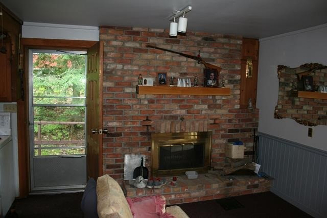 Detached at 389 Beaver Lake Rd, Galway-Cavendish and Harvey, Ontario. Image 19