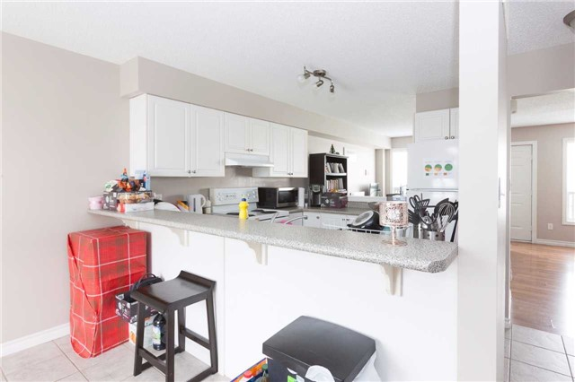 Condo Townhouse at 600 Sarnia Rd, Unit 36, London, Ontario. Image 10