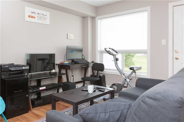 Condo Townhouse at 600 Sarnia Rd, Unit 36, London, Ontario. Image 12
