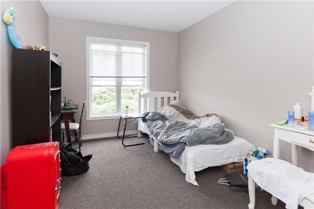 Condo Townhouse at 600 Sarnia Rd, Unit 36, London, Ontario. Image 4