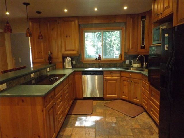 Detached at 1599 Canning Rd, Gravenhurst, Ontario. Image 13