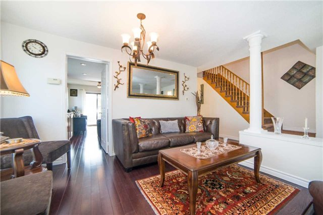 Townhouse at 17 Waterford Cres, Hamilton, Ontario. Image 14