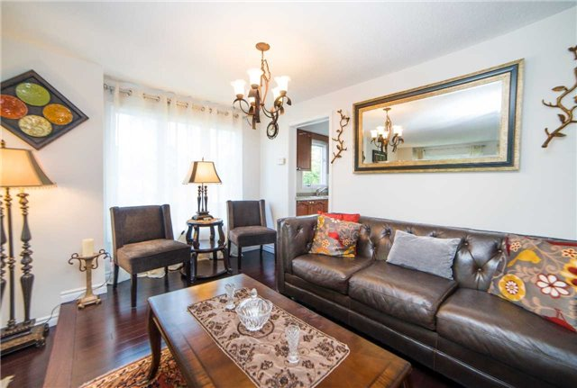 Townhouse at 17 Waterford Cres, Hamilton, Ontario. Image 15