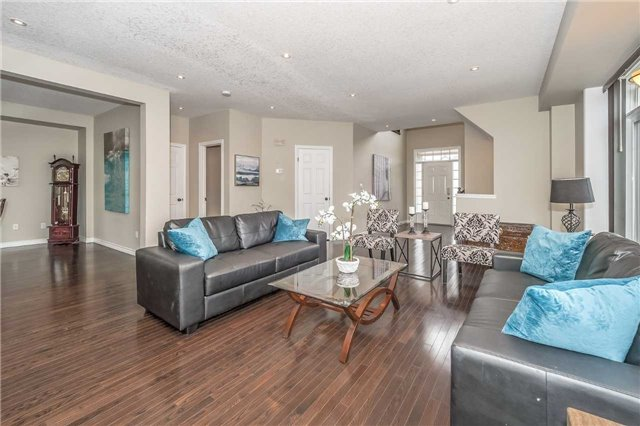 Detached at 27 Atto Dr, Guelph, Ontario. Image 14