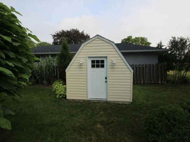 Detached at 4284 Kennedy Dr, Windsor, Ontario. Image 13
