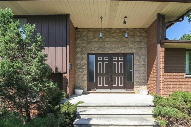 Detached at 44 S Fifty Rd, Hamilton, Ontario. Image 12
